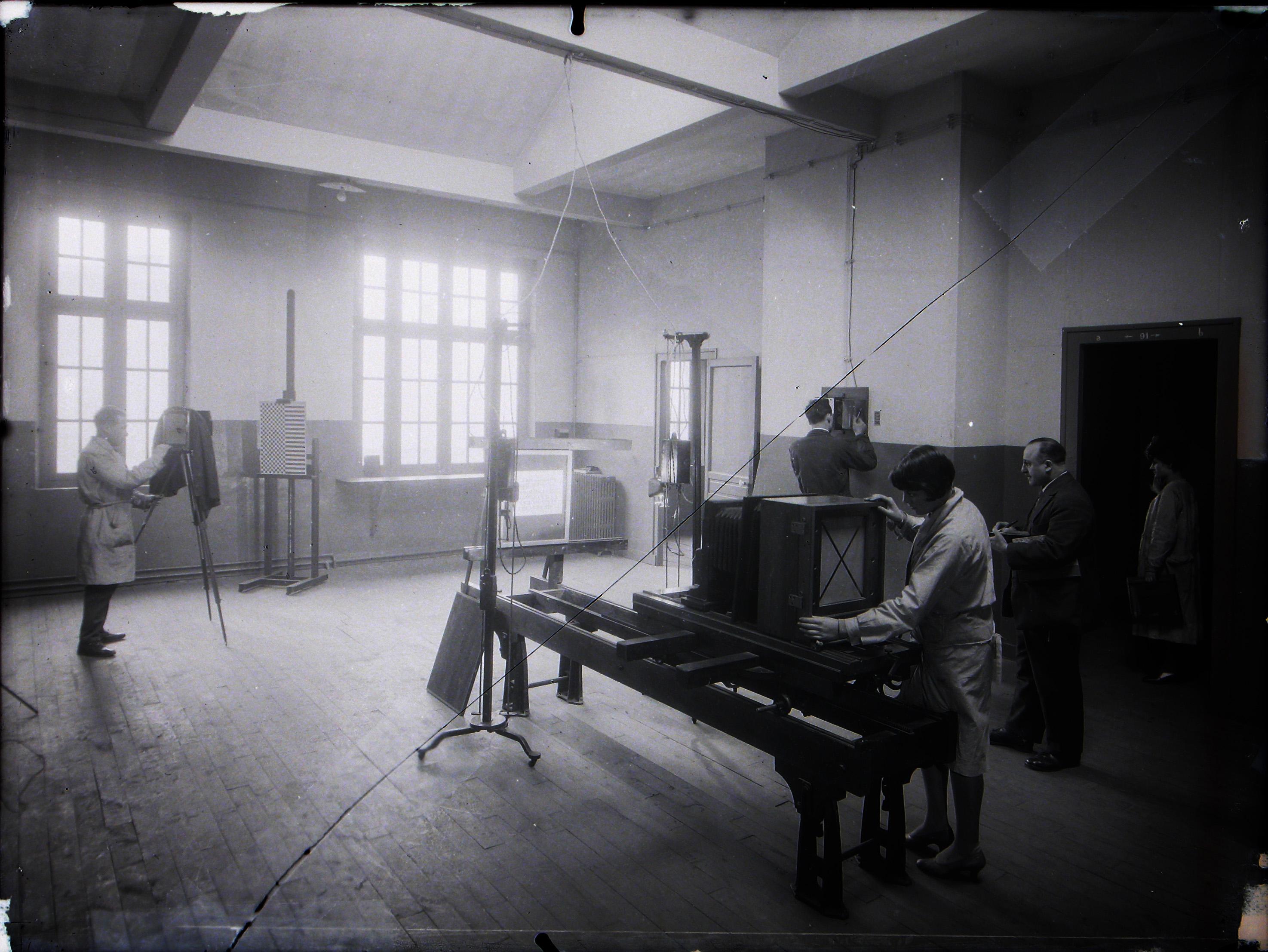Salle de reproduction photographique, années 30