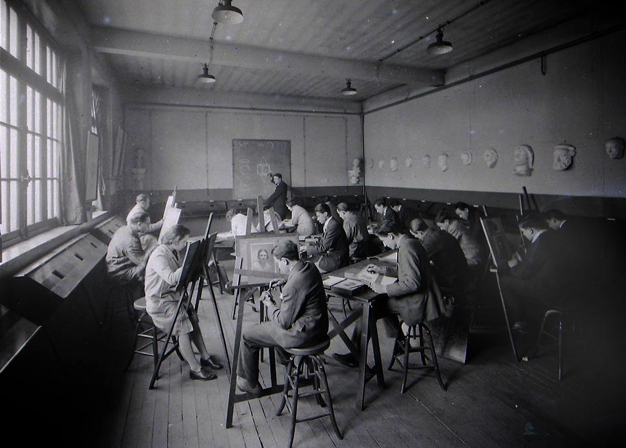 Salle de retouche photographique et de dessin, années 30
